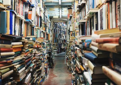Bücherladen; Foto: Glen Noble (unsplash)