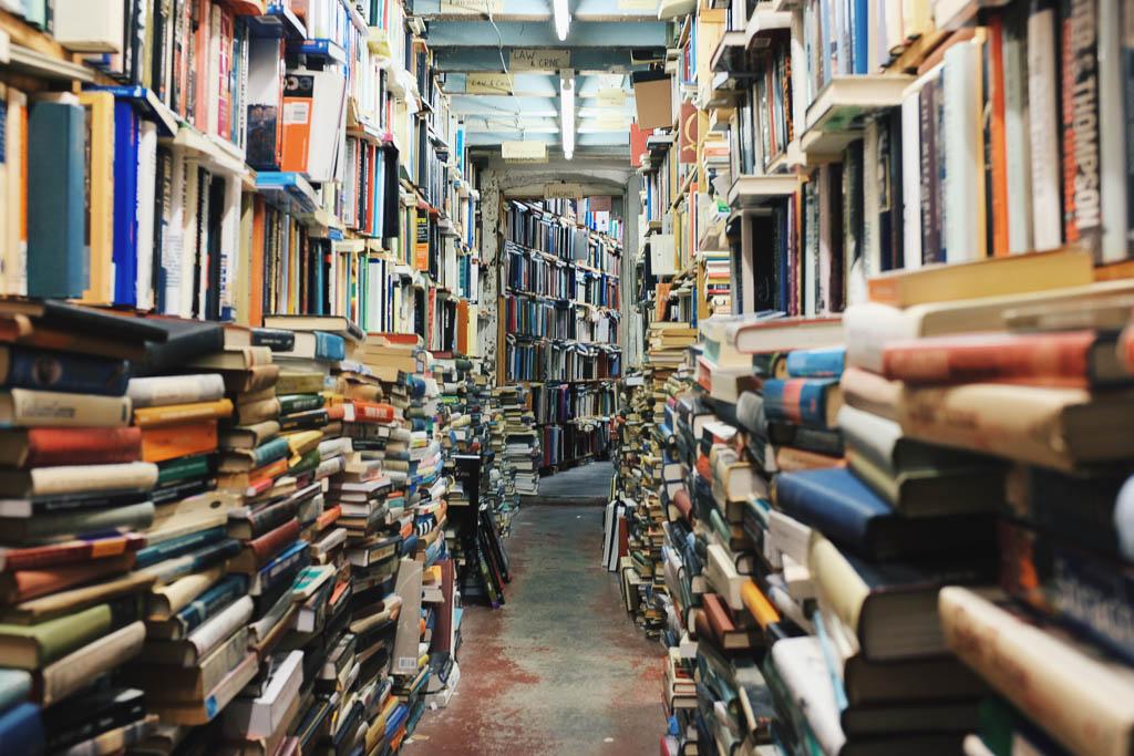 Bücherladen; Foto: Glen Noble (unsplash)