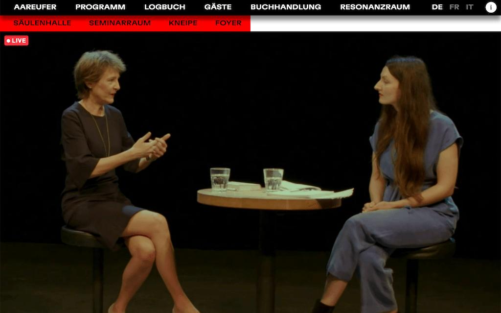 Solothurner Literaturtage 2020 / Screenshot vom Eröffnungsgespräch mit der Schweizer Bundespräsidentin Simonetta Sommaruga und der Autorin Simone Lappert